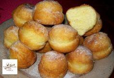 Érdekel a receptje? Baked Doughnuts, Donuts, Hungarian Recipes, Hungarian Food, Sweet Pastries, Beignets, Pretzel Bites, Fudge, Baked Goods