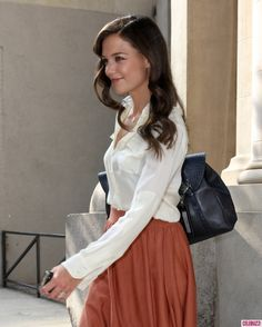 Katie Holmes. Love the hair, makeup, blouse.