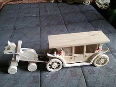 Koč s koníkmi / LadislavKurnota - SAShE. Wooden Toys, Barbie, Wooden Toy Plans, Wood Toys, Woodworking Toys, Barbie Dolls