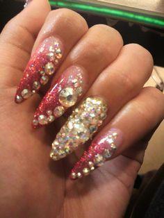 Hime Gyaru nails. Pink and white glitter.