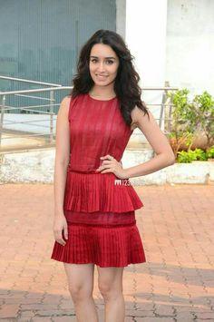 Shraddha Kapoor New Photos Shraddha Kapoor Cute, Sonam Kapoor, Deepika Padukone, Bollywood Photos, Bollywood Stars, Bollywood Fashion, Prettiest Actresses, Beautiful Actresses, Alia Bhatt Cute