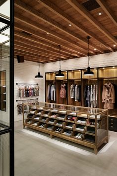 Aoyama store wonderwall retail interiors in 2019 дизайн интерьера магазина, Visual Merchandising, Retail Store Design, Retail Shop, Design Patio, Clothing Store Design, Fashion Store Design, Clothing Stores, Tor Design, Design Food