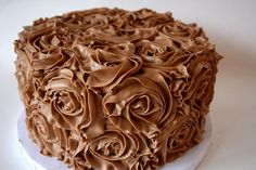 sheet cakes with rosettes Rosette Cake, Home Bakery, Cake Cookies, Chocolate Cake, Peanut Butter, Icing, Cake Decorating, Food And Drink, Tiramisu