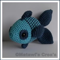 Instructions in dutch. Crochet Crafts, Crochet Dolls, Crochet Projects, Crochet For Kids, Crochet Baby, Knit Crochet, Crochet Sea Creatures, Crochet Animals, Crochet Fish Patterns