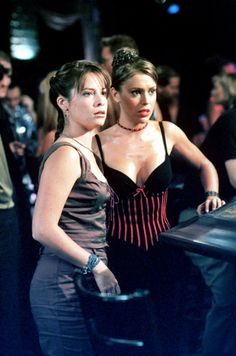 Charmed 2013 Update Photo Gallery – Alyssa Milano, Holly Marie Combs, Shannen Doherty, Rose McGowan and Kaley Cuoco Alyssa Milano Charmed, Alyssa Milano Hot, Serie Charmed, Charmed Tv Show, Phoebe Charmed, Charmed Sisters, Holly Marie Combs, Rose Mcgowan, Seinfeld