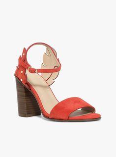 Sandale à talon en cuir velours rouge avec détails feuilles sur les côtés 3fc7f93c7755
