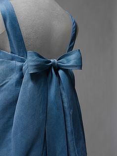 Dress, Evening.  House of Balenciaga (French, founded 1937).  Designer: Cristobal Balenciaga (Spanish, 1895–1972). Date: 1964. Culture: French. Medium: silk. Dimensions: Length at CB: 63 in. (160 cm).