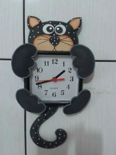 Relógio Foam Crafts, Easy Crafts, Diy And Crafts, Crafts For Kids, Diy Classroom Decorations, School Decorations, Daycare Themes, Crochet Fruit, Cat Clock