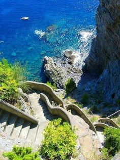 Steps to the Sea, Positano, Italy. If you are in Sorrento, grab a ferry boat along the Amalfi coast to Positano. Places Around The World, Oh The Places You'll Go, Places To Travel, Places To Visit, Dream Vacations, Vacation Spots, Wonderful Places, Beautiful Places, Magic Places