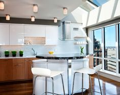 Two-tone Kitchen Design, Pictures, Remodel, Decor and Ideas - page 4