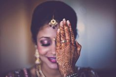 Absolute Must Have Solo Photographs For Every Indian Bride On Her Wedding Day - BollywoodShaadis.com