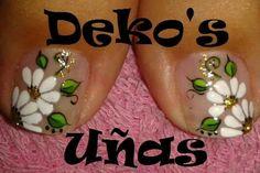 Uñas Toe Nail Designs, Nail Polish Designs, Beautiful Nail Designs, Summer Toe Designs, French Pedicure, Floral Nail Art, Nails Only, Feet Nails, Toe Nail Art