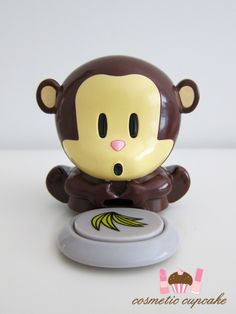 So cuuuute! It's a monkey nail dryer! I want one of these!!!