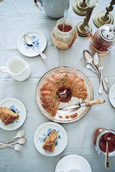Bolo de Mel e Açafrão com Beurre Noisette de Tomilho limão   Recipe featured in Salt & Wonder yearly print magazine