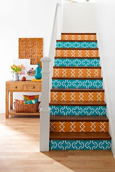 Home Design and Interior Design Gallery of Artistic Patterned Design DIY Staircase Design White Pannel Design- use vinyl wallpaper. Stenciled Stairs, Painted Stair Risers, Painted Staircases, Stair Art, Stair Decor, Staircase Decoration, Diy Stair, Stair Steps, Wallpaper Stairs