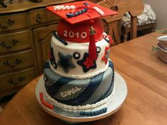 cool college graduation cake.