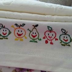 This Pin was discovered by Ümm Cross Stitch Numbers, Cross Stitch Borders, Cross Stitch Flowers, Cross Stitch Kits, Cross Stitch Designs, Cross Stitch Embroidery, Hand Embroidery, Cross Stitch Patterns, Broderie Simple