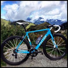 Blue factor #bicidacorsa #cyclingpics #gwcycling #procycling #cyclinglove #roadcycling