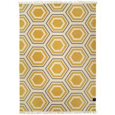 Hexagon matta honey gold från Classic collection hos ConfidentLiving.se