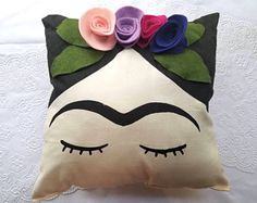 Frida Face Pillow w/ Felt Flower Crown Female Artist Felt Flower Pillow, Felt Pillow, Felt Crafts, Fabric Crafts, Diy And Crafts, Sewing Pillows, Diy Pillows, Frida Kahlo Party Decoration, Sewing Hacks