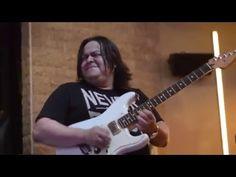 """Henry Borrero - fragmentos de solos en el """"Fender Fan tribute 2015"""" Mede..."""