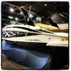 Jachty motorowe Regal, targi Wiatr i Woda 2013, żeglarstwo, marynistyka, morski styl, Photo by http://marynistyka.org