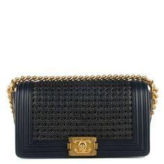 a5f7c58d0f334d Sacs à main Chanel Boy Reverso Medium Chanel Boy Bag, Baguette, Girls Best  Friend