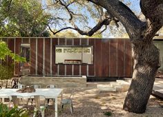 Completed in 2015 in Austin, United States. Images by Casey Dunn. LeanToo is the addition to an existing cottage situated in vibrant Austin neighborhood.  The site had the original home set back from the street and...