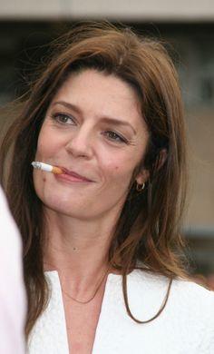 chiara_mastroianni_cigarette