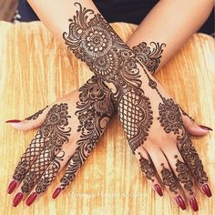 Can't get over the beauty of bridal Mehndi Designs for full hands? This full hand mehndi design with a mix of Indian and Arabic mehndi images is perfect for you! Get Amazing Collection of Full Hand Mehndi Design Ideas here. Dulhan Mehndi Designs, Mehandi Designs, Mehndi Designs Finger, Wedding Henna Designs, Engagement Mehndi Designs, Latest Arabic Mehndi Designs, Full Hand Mehndi Designs, Stylish Mehndi Designs, Mehndi Designs For Girls