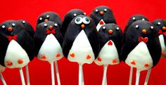 Penguin cake pops, adorable