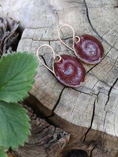 Guarda questo articolo nel mio negozio Etsy https://www.etsy.com/it/listing/293070925/orecchini-pendenti-corti-rosso-intenso-e