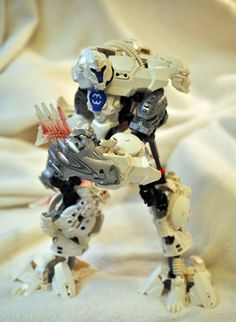 FrostHulke, Somniferrian Hero Factory Bionicle MOC (+playlist)