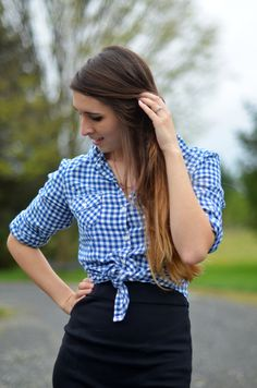 Fine and Feathered Pencil skirt and the knotted shirt very chic! Love it.