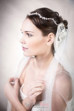 Portia | lace adorned veil and halo - MoaLove Accessories