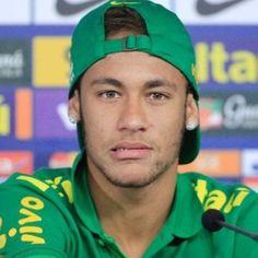 Neymar being cute Usa Soccer Team, National Football Teams, Team Usa, Soccer Players, Neymar Jr, Neymar Brazil, Bae, World Cup 2014, Messi