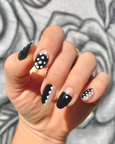 Dot Nail Art, Polka Dot Nails, Nail Art Diy, Diy Nails, Manicure Ideas, Nail Ideas, Makeup Ideas, Polka Dots, Nail Art At Home