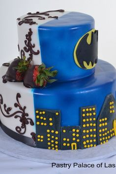 Pastry Palace Las Vegas - Wedding Cake #801 to bad the batman side would be mine hahH
