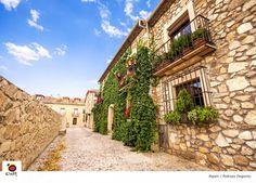 En Pedraza la arquitectura pertenece en su mayoría a los siglos XVI y XVII. ¿A…