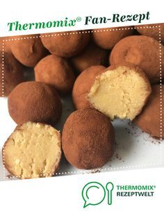 Bailey balls- Baileys Kugeln Bailey's Balls by A Thermomix ® recipe from the category baking sweet www.de, the Thermomix ® community. Thermomix Desserts, Easy Desserts, Dessert Recipes, Dessert Simple, Nutella French Toast, Brownie Recipes, Winter Food, Pumpkin Recipes, Crack Crackers