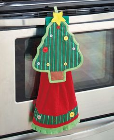 Holiday Christmas Tree Kitchen Set Towel & Pot Holder Seasonal Home Decor - Hortencia Sanchez - Kitchen Towels Crafts, Dish Towel Crafts, Christmas Kitchen Towels, Dish Towels, Kitchen Linens, Hand Towels, Christmas Projects, Decor Crafts, Holiday Crafts