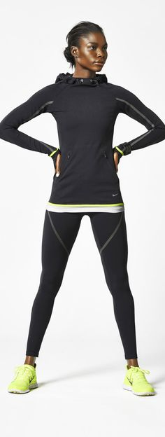 Women's Nike Luxe Running Hoodie and Tight featured black reflective tape for visibility perforation details for breathability cuff w. Running Nike, Nike Free Run, Running Tights, Running Women, Nike Running Clothes, Running Clothes Winter, Running Outfits, Running Wear, Running Shoes