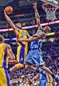 Kobe dunk on Okafor