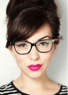 Berry-colored lips are so kissable!  We love this combo with a top knot, glasses and stripes.  Tres cute!  20 Bold Lipstick Looks That Are Fresh And Fun • Page 4 of 10 • BoredBug