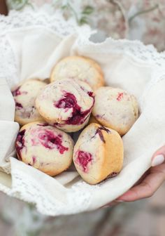 Basic fruit muffin recipe, as preferred - Trois fois par jour Healthy Desserts, Delicious Desserts, Dessert Recipes, Yummy Food, Fruit Recipes, Muffin Bread, Breakfast Snacks, Breakfast Time, Allergy Free Recipes