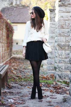 sweater: StylebyMarina // skirt: H&M // bag: Moschino via Sarenza.de //beanie: Hallhuber //  booties: Asos // belt: Primark [...]