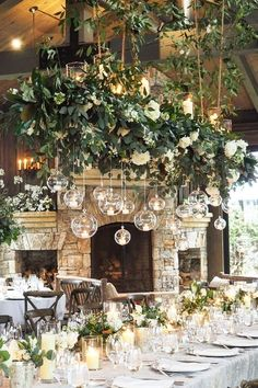Are you thinking about having your wedding by the beach? Are you wondering the best beach wedding flowers to celebrate your union? Here are some of the best ideas for beach wedding flowers you should consider. Wedding Centerpieces, Wedding Table, Rustic Wedding, Wedding Ceremony, Our Wedding, Wedding Venues, Dream Wedding, Wedding Unique, Wedding Ceiling Decorations