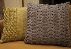 Snap, Crackle, and Pop pillows by Lindsay Ingram, the gold one is knit in Berroco Floret and the grey on is made with Valley Yarns Buckland. >> Ravelry: knittymcpurl's No Pop