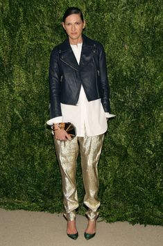 Jenna Lyons was effortlessly cool in a black leather jacket and gold metallic trousers.
