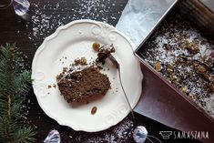Once popular chocolate cake. Many may be associated with the taste of childhood. Simple to prepare and always good.